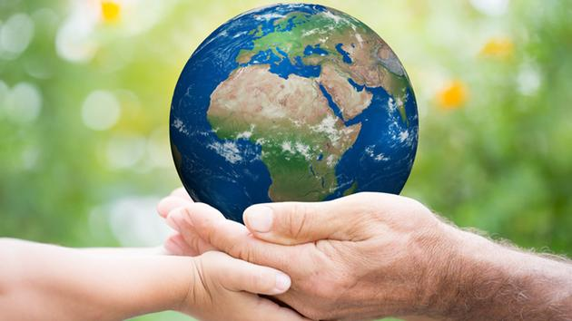 Company-green-Earth-Qatar-callage-for-environment